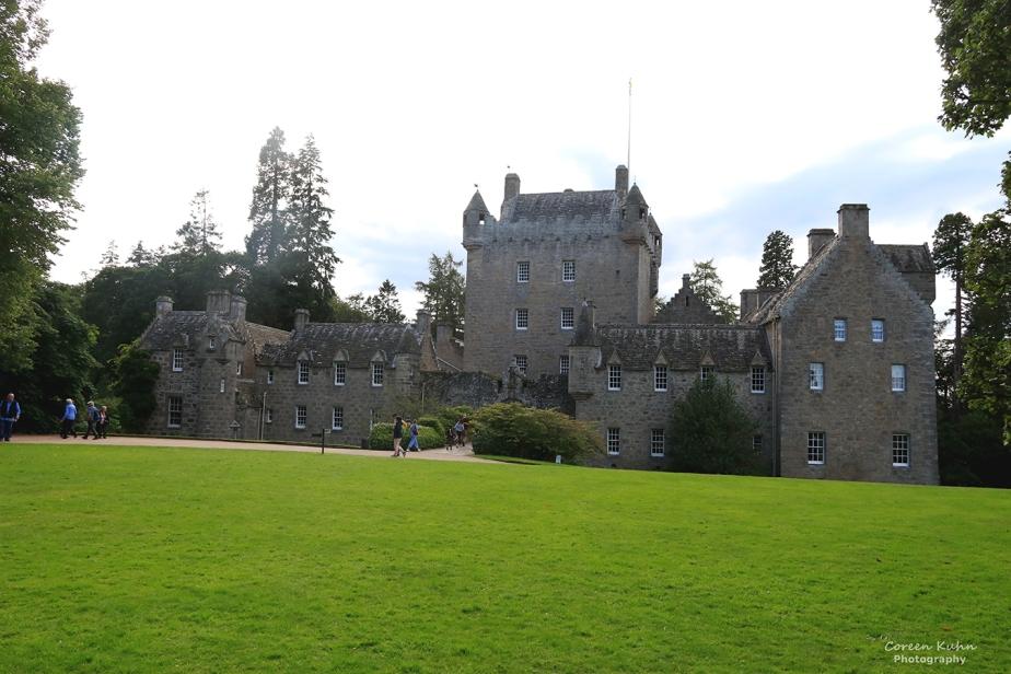 Grand Tour Of Scotland: Cawdor Castle andGardens