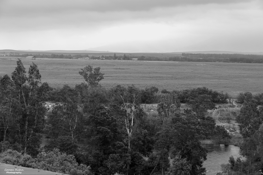 Black and White Photography: Stonehill River Lodge#6